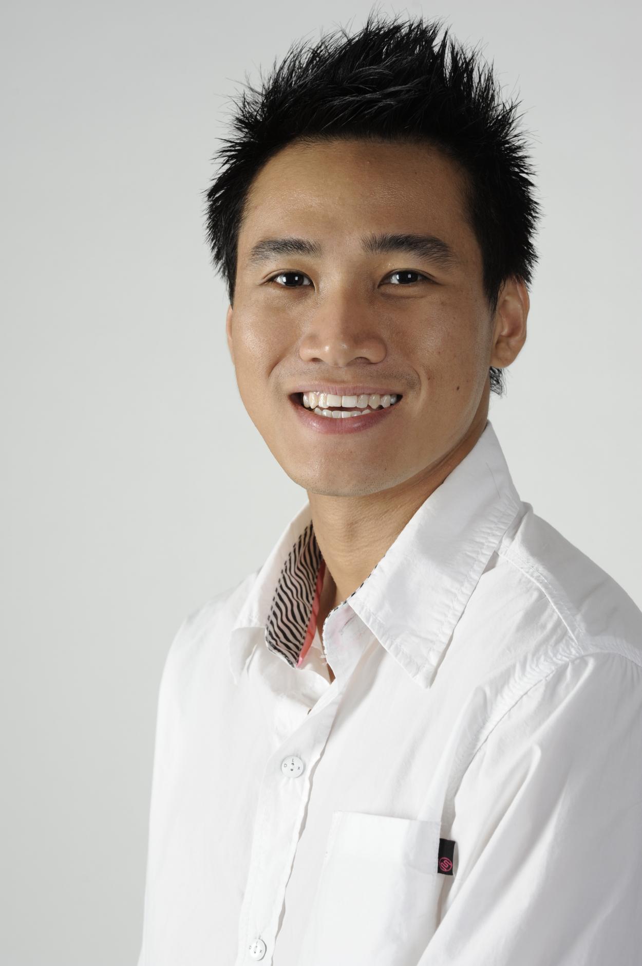 докторант Университета Южной Австралии и директор собственной студии йоги в Аделаиде Рассел В. Чан