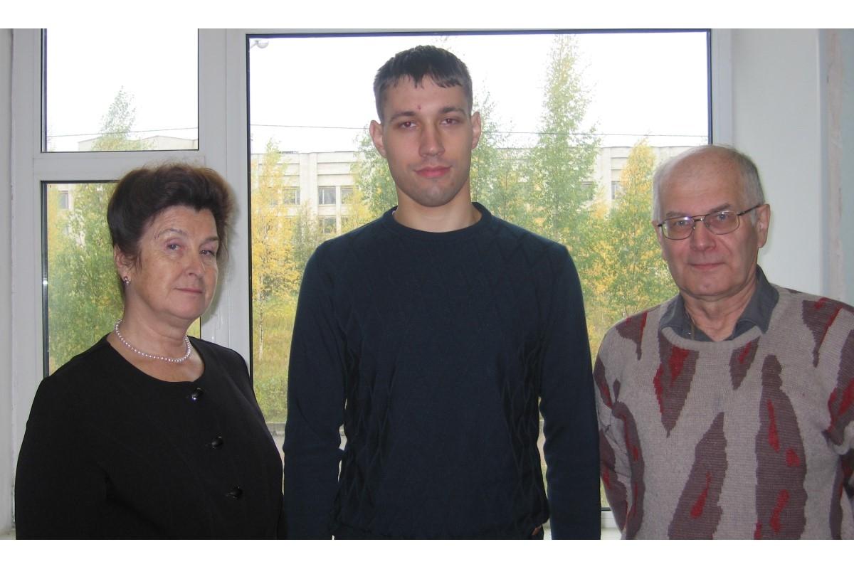 Фото: научная группа Высокотемпературной химии оксидных систем и материалов в составе (слева направо): Валентина Столярова, Виктор Ворожцов, Андрей Шилов